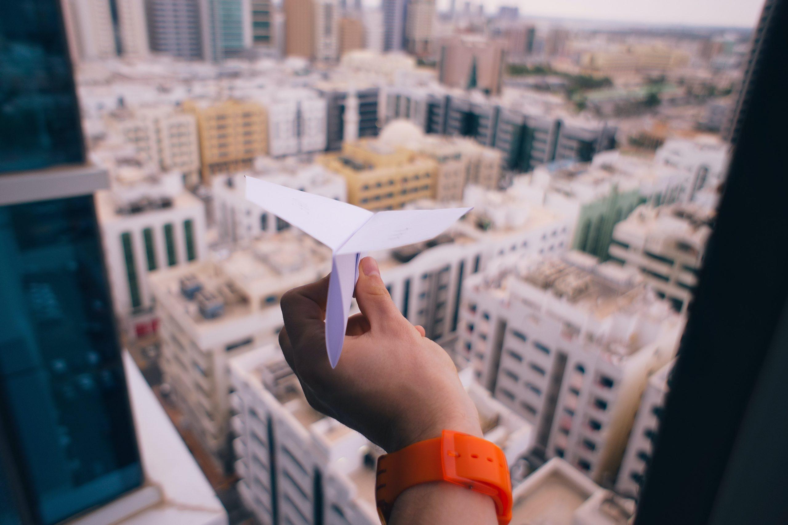 Inovação aberta ou fechada: aviãozinho de papel